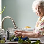 How to Support Elderly Parents without Taking Away Their Independence