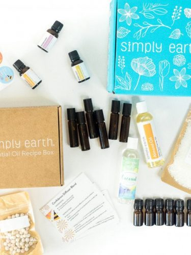 Simply Earth Essential Oils Subscription Box #Review & Coupon Code #squad